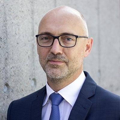 Dr. Thomas Simon